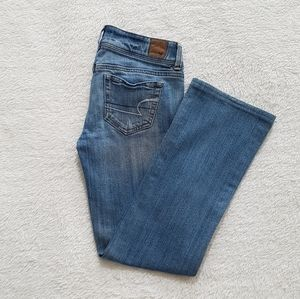 American Eagle slim boot light wash jeans size 2